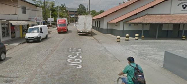 Trecho da Rua Pastor Albert Schneider terá meia pista interditada nesta sexta-feira (28)