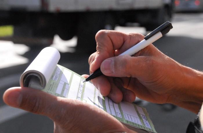 Valor das multas de trânsito aumentarão em até 66%