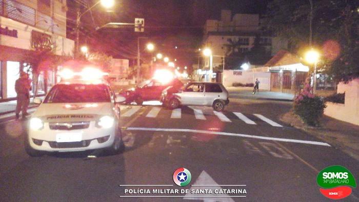 Acidente  no centro de Jaraguá deixa mulher ferida