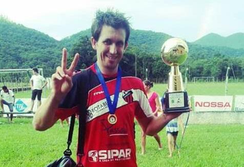Jogador de futebol amador morre de infarto em Jaraguá do Sul