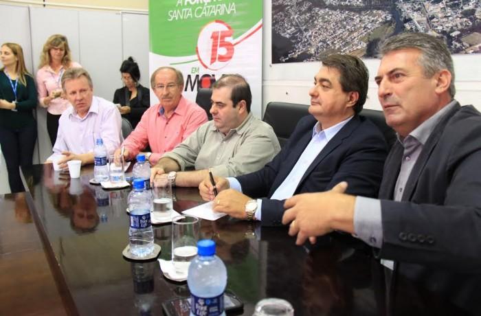 Deputados abordam na Câmara de Vereadores de Jaraguá do Sul projetos em trâmite no Congresso