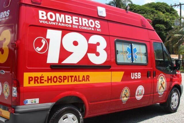 Bombeiros atenderam queda de altura e acidente ontem(18) à noite, em Corupá