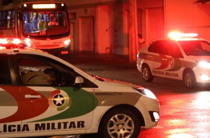 Durante tentativa de roubo, casal  é ferido com arma de fogo em Jaraguá do Sul