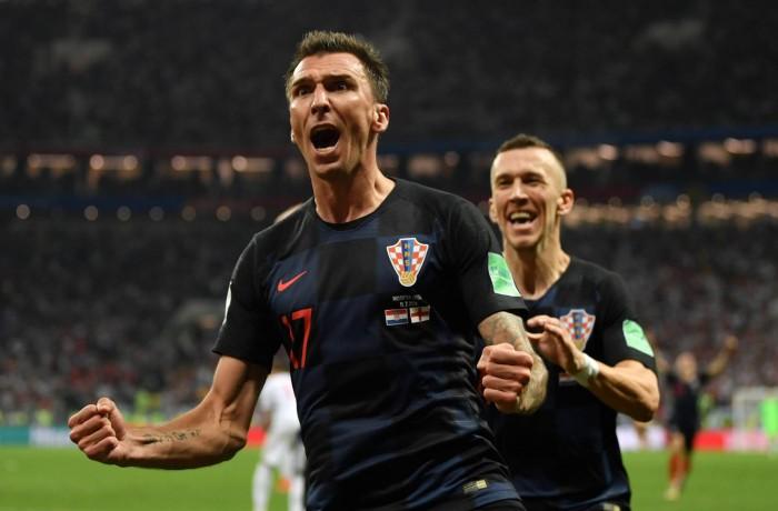Mandzukic e Perisic, os autores dos gols croatas contra a Inglaterra. DAN MULLAN
