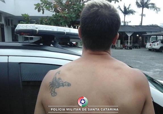 Traficante preso no bairro Tifa Martins(foto PM, divulgação)