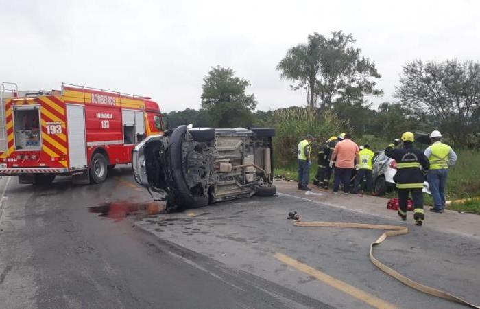 Acidente na BR-470 aconteceu na tarde de sábado (11), às 15h15min(Foto: Polícia Rodoviária Federal)