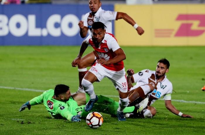 Mesmo na segunda divisão chilena, o Santiago Wanderers disputou a Libertadores — Foto: Leonardo Muñoz/EFE