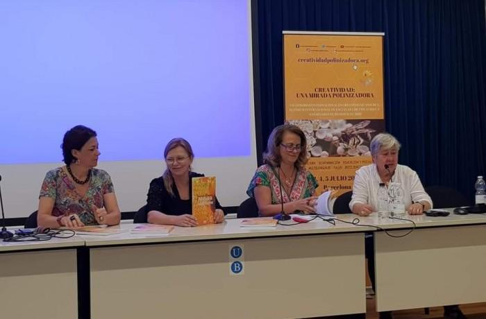 Lançamento do livro ocorreu na Europa. Foto: Prefeitura de Massaranduba
