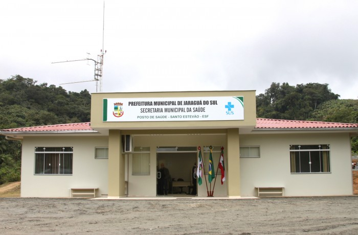 População reclama da falta de servidores no posto de saúde. Foto: Jornal de Bairros