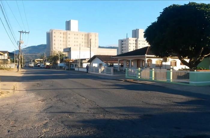 Obra do Samae interdita parcialmente principal via de ligação entre três bairros em Jaraguá do Sul