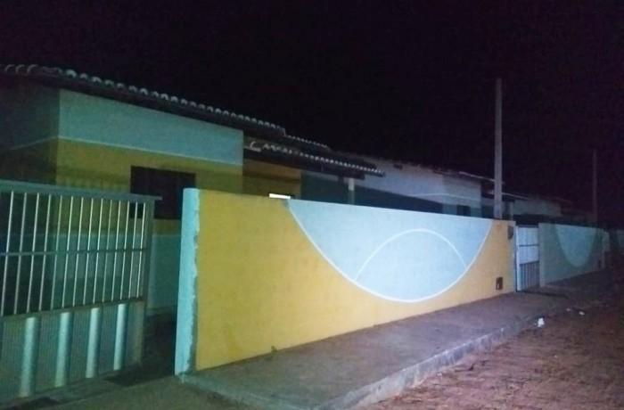 Vítimas foram mortas em duas casas vizinhas, na Rua Praia de Touros, em Touros — Foto: Acson Freitas/Inter TV Cabugi
