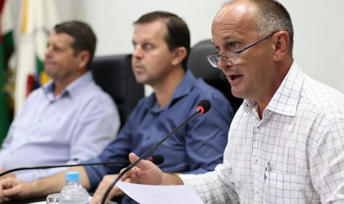 """Secretário Alceu Gilmar Moretti: """"Eu solicitei a volta da FG para melhorar o atendimento"""". Foto: Câmara de Vereadores de Jaraguá do Sul"""
