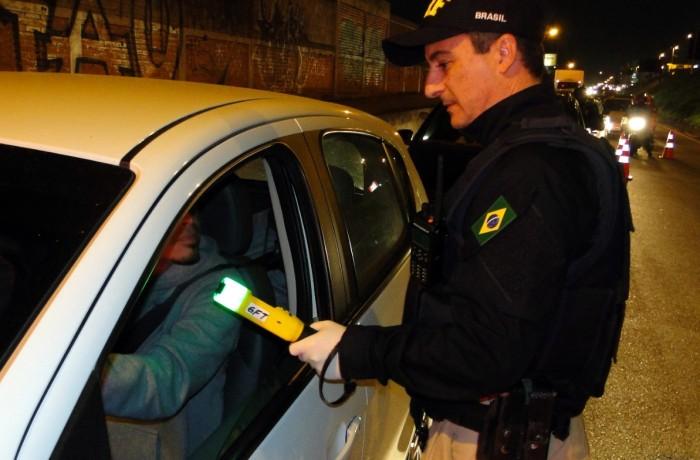 Em um fim de semana, mais de 400 motoristas são flagrados dirigindo embriagado. Foto: PRF SC