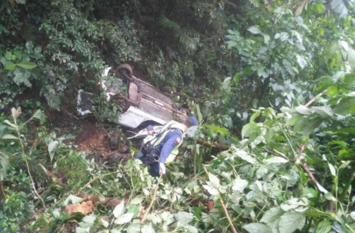 Carro caiu em uma ribanceira no quilômetro 16. Foto> Divulgação