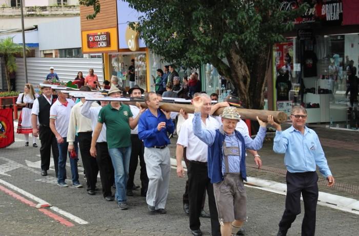 O desfile do Schützenbaum, marca o lançamento da 31ª Edição da Schtüzenfest