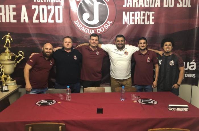 Parte da diretoria do Juventus(E), Jeferson, Cléber, Diego, Cristiano, Paulo, Marcelo. Foto: Marcelo Gonçalves