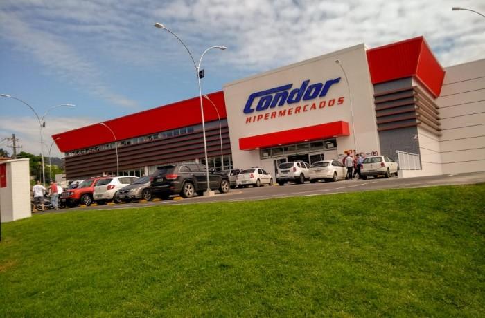 Hipermercado Condor, mais uma opção de compras a disposição da população local e regional. Foto: Emerson Gonçalves