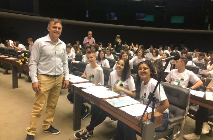 Presidente da Avevi com os vereadores Mirins em Brasília. Foto: Avevi