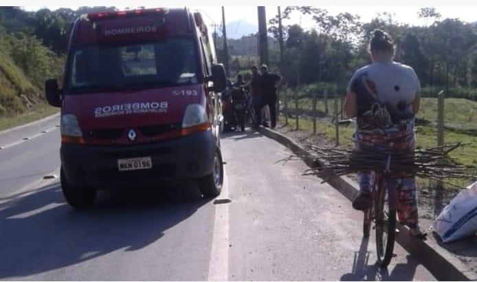 Acidente foi registrado na rua Rio de Janeiro. Foto: bombeiros voluntários