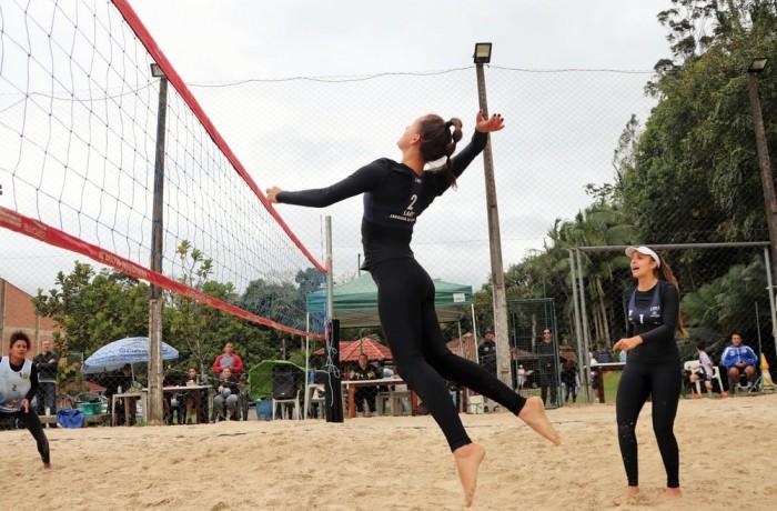 Helena e Larissa conquistam o Estadual de Vôlei de Praia