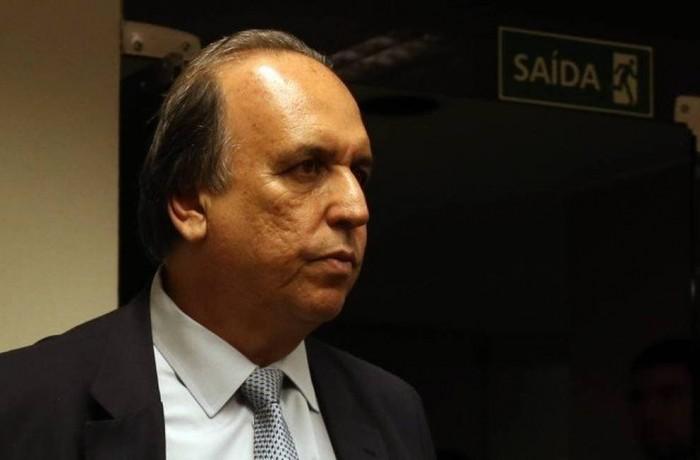 O ex-governador do Rio Luiz Fernando Pezão Foto: Givaldo Barbosa / Agência O Globo