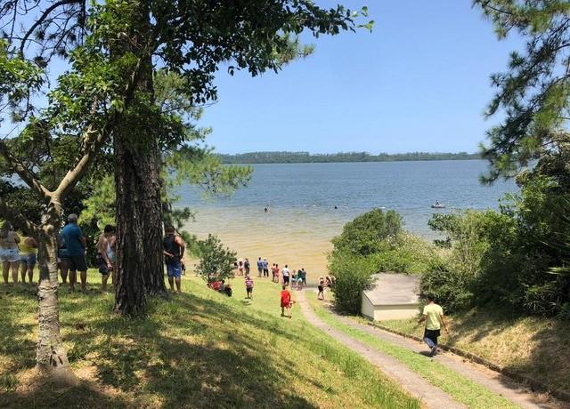 Lagoa dos Esteves, em Balneário Rincão, registrou morte por afogamento no domingo (19) — Foto: Corpo de Bombeiros/ Divulgação