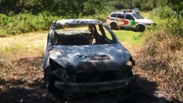 Dias antes, carro havia sido encontrado incendiado em Urussanga — Foto: NSC TV/Reprodução
