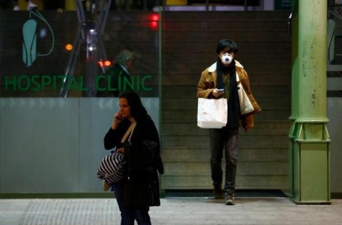 Paciente viajou à Itália, onde 11 pessoas já morreram por conta da doença(Foto: Pau Barrena / AFP)