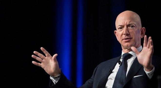 O bilionário Jeff Bezos, anunciou doação de US$ 10 bilhões para projetos que visam o combate ao aquecimento global