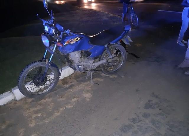 Motociclista sofreu politraumatismo e morreu no local — Foto: Polícia Rodoviária Federal / Divulgação
