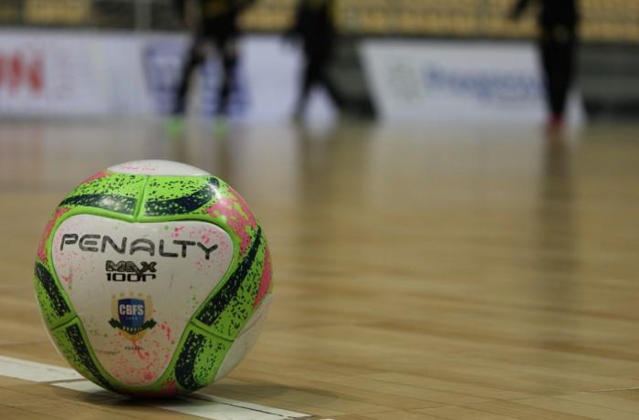 Futsal segue parado