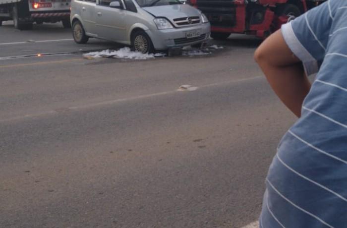 Acidente ocorreu às 17h31(registro dos bombeiros). Foto: Grupo ADMs On-line/reprodução