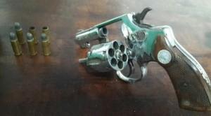 Armas foram apreendidas em abordagens que resultaram em mortes em Itajaí e Itapema — Foto: PM/Divulgação