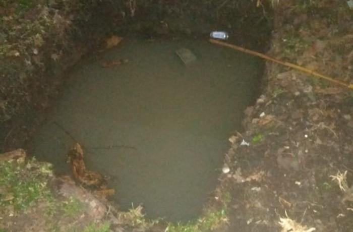 Criança de apenas 3 anos morre afogada depois de cair numa fossa