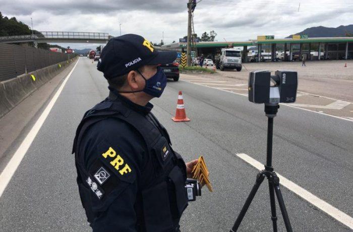 PRF utiliza equipamento para tentar entender a dinâmica do acidente – Foto: Eduardo Cristófoli/NDTV