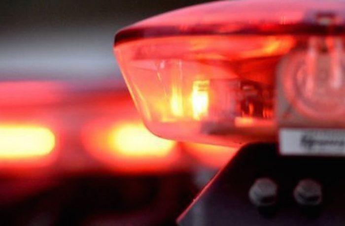 Acidente causa ferimentos no condutor e na passageira de uma motocicleta em Jaraguá