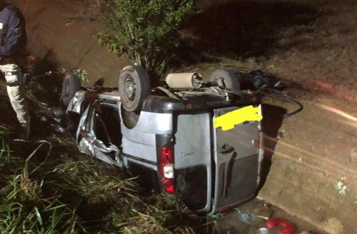 Homem morre após grave acidente entre carro e caminhão de Jaraguá do Sul