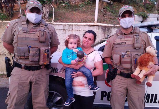 Policiais salvam bebê de um ano em Guaramirim