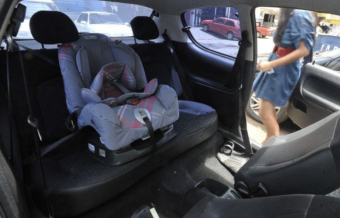 Bebê de 4 meses morre após ser esquecido dentro de carro em Macaé