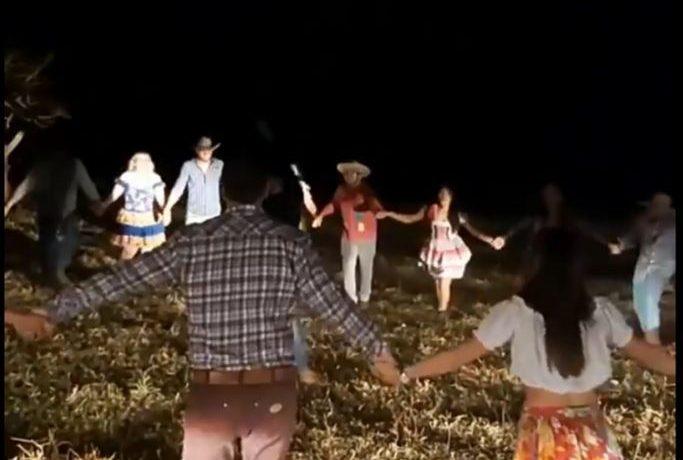 """Viva o coronavírus"", diz vereador em quadrilha de festa junina. Veja"