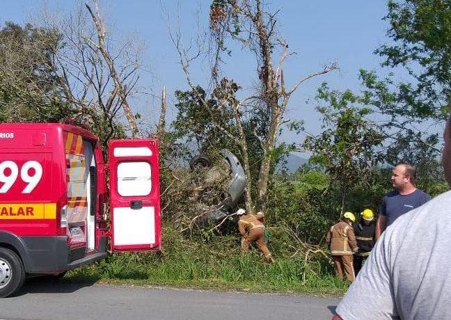 O acidente aconteceu às 13h42 (Foto: Divulgação)