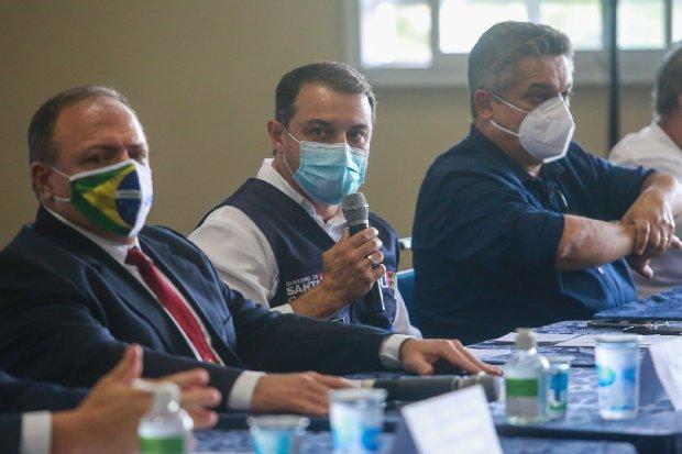 Em Chapecó, governador e ministro da Saúde reafirmam parceria para enfrentamento de momento crítico da pandemia