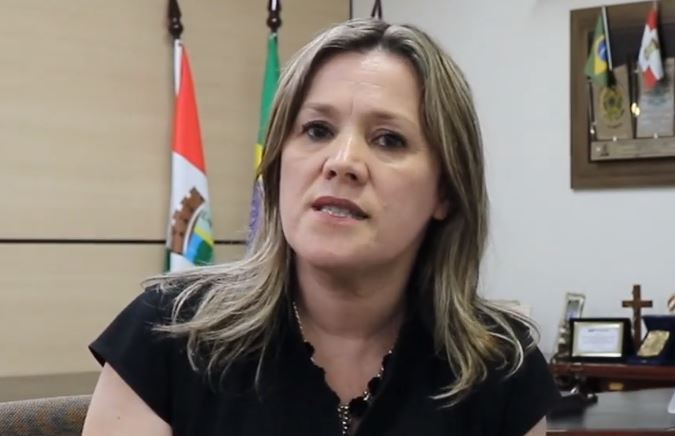 Secretária da Educação explica na RBN o teor da carta que revoltou os vereadores