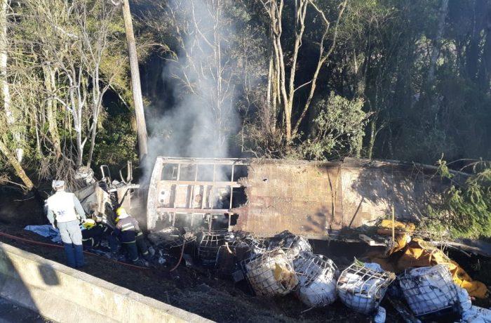 Motorista morre carbonizado em acidente na BR-116, no Planalto Norte de SC