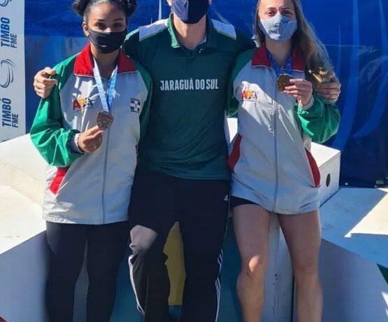 Delegação de atletismo de Jaraguá retorna de Timbó com 31 medalhas e um recorde estadual