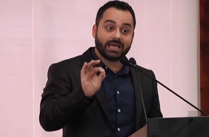 """Vereador critica presidente do SAMAE: """"Um cone seria melhor"""""""