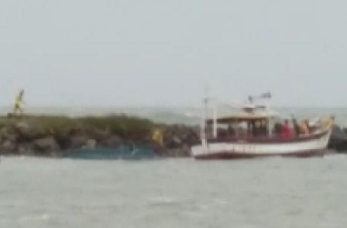 Pescador morre após barco virar em Balneário Barra do Sul