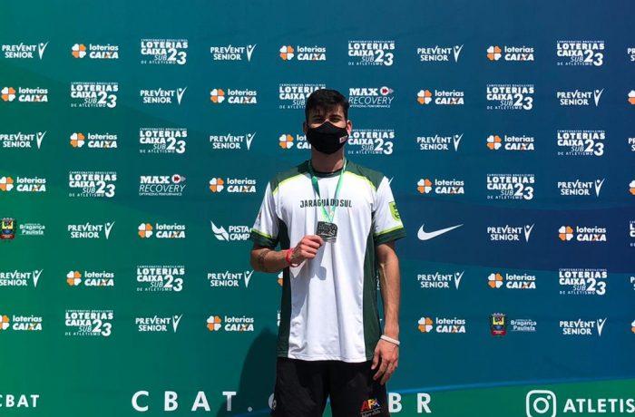 Atletismo: Jaraguaense Jimmy Lopes garante a prata no Brasileiro Sub-23