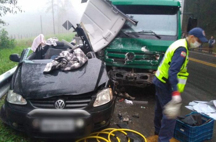 Motorista de Jaraguá morre em grave acidente na BR-280 em São Bento do Sul
