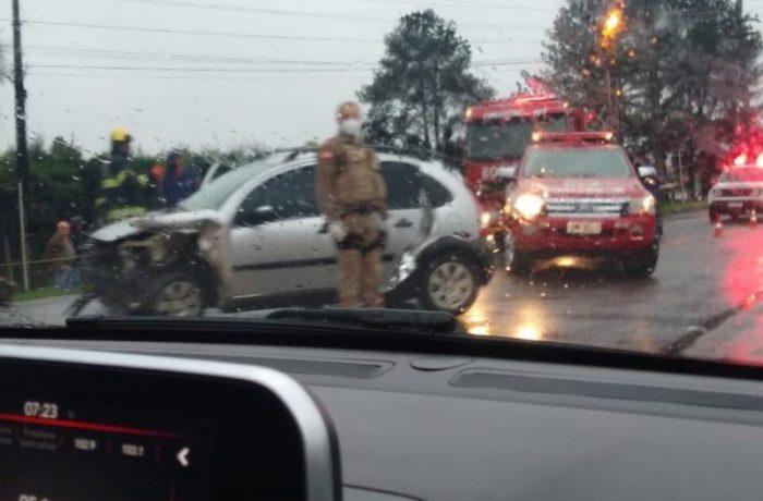 Jovem é esfaqueada e morre em acidente de trânsito a caminho do hospital em SC